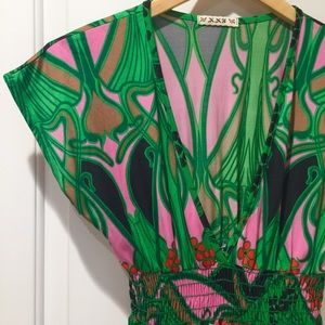 Forever 21 Palm Berry Art Deco Tunic Top M